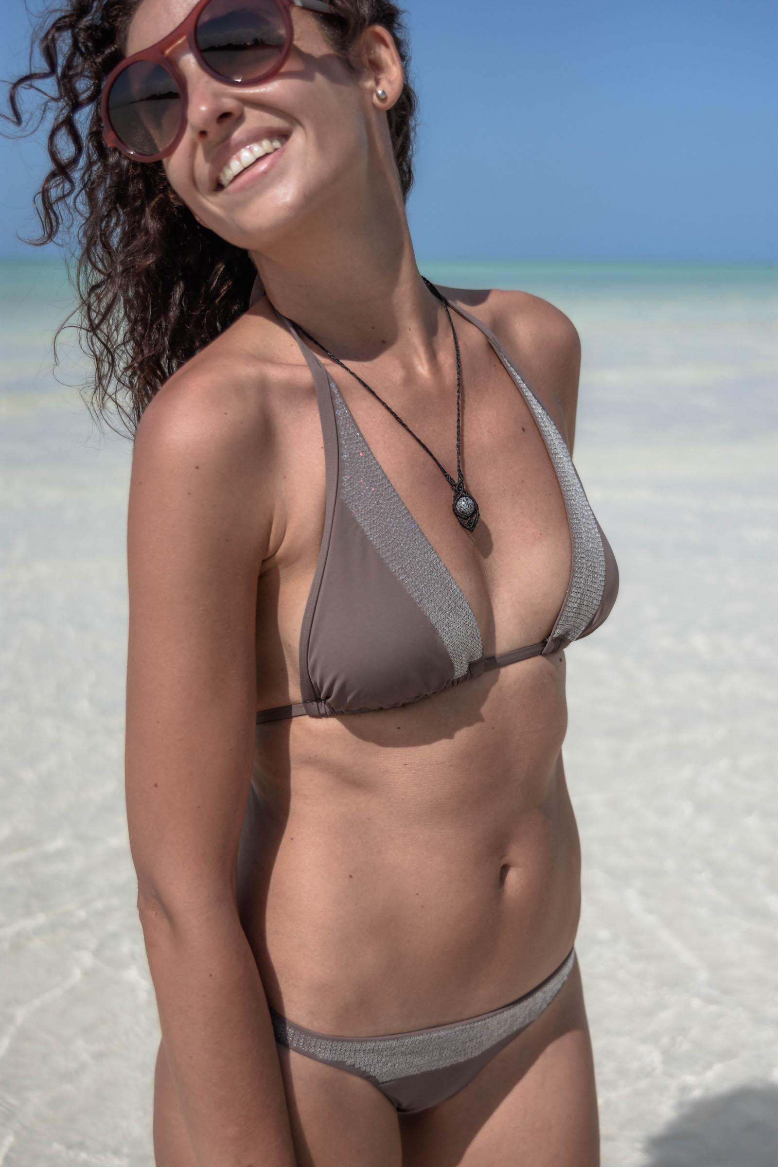 el-blog-de-silvia-rodriguez-lifestyle-travel-blogger-verano-vacaciones-en-holbox-mexico-caribe-holidays-playa-beach-bikini_Calvin_klein