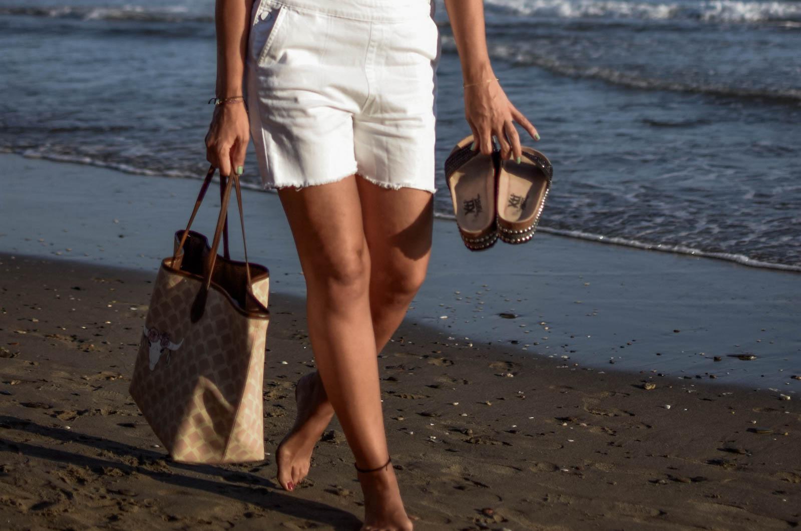 el-blog-de-silvia-rodriguez-lifestyle-travel-blogger-verano-vacaciones-en-marbella-holidays-playa-beach-bikin