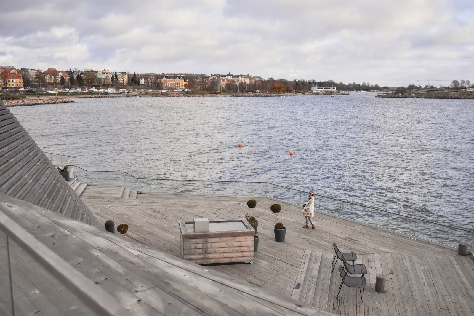 el-blog-de-silvia-rodriguez-lifestyle-travel-finlandia-helsinki-fur-coat-hym-blogger-influencer