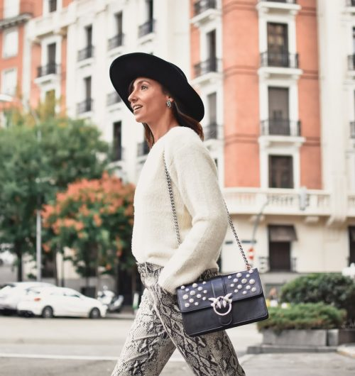 el-blog-de-silvia-rodriguez-street-style-madrid-total-look-loavies-pantalones-serpiente-blogger-influencer