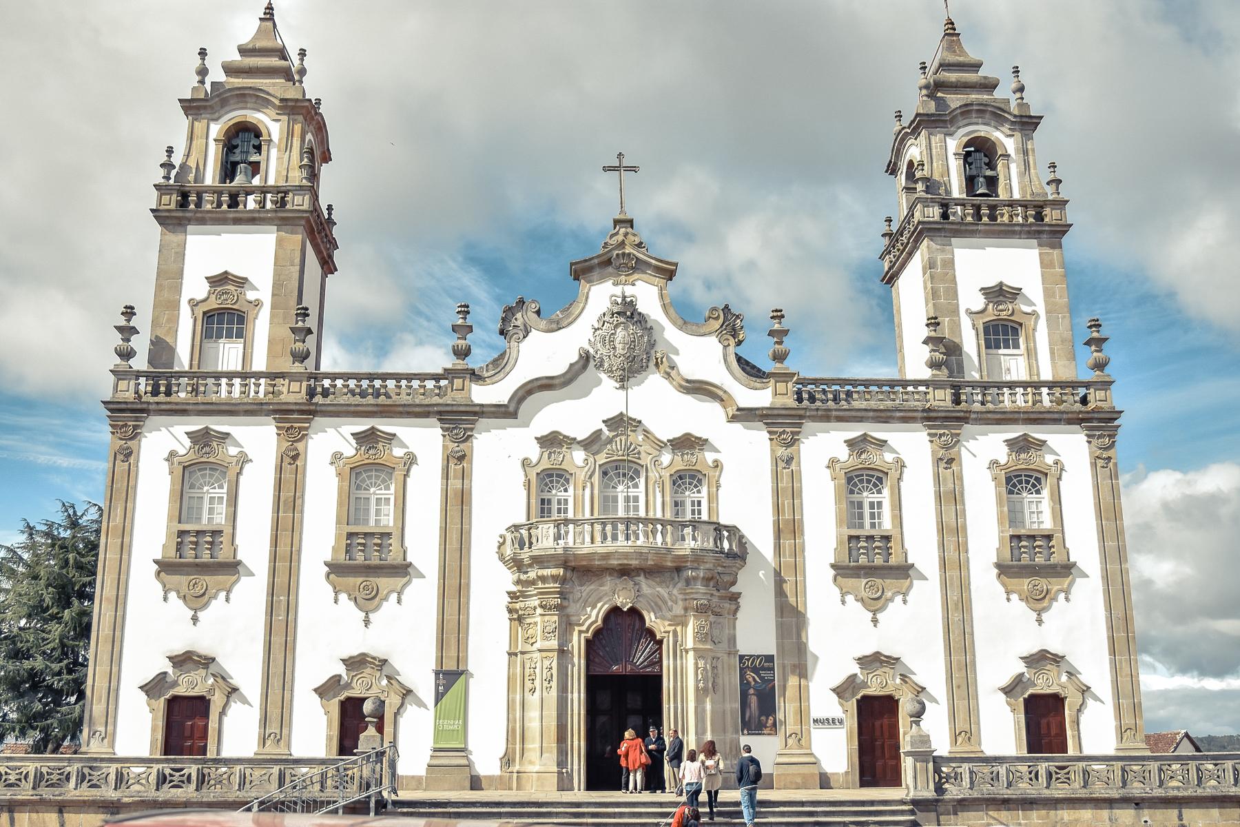 iglesia-pueblo-portugal