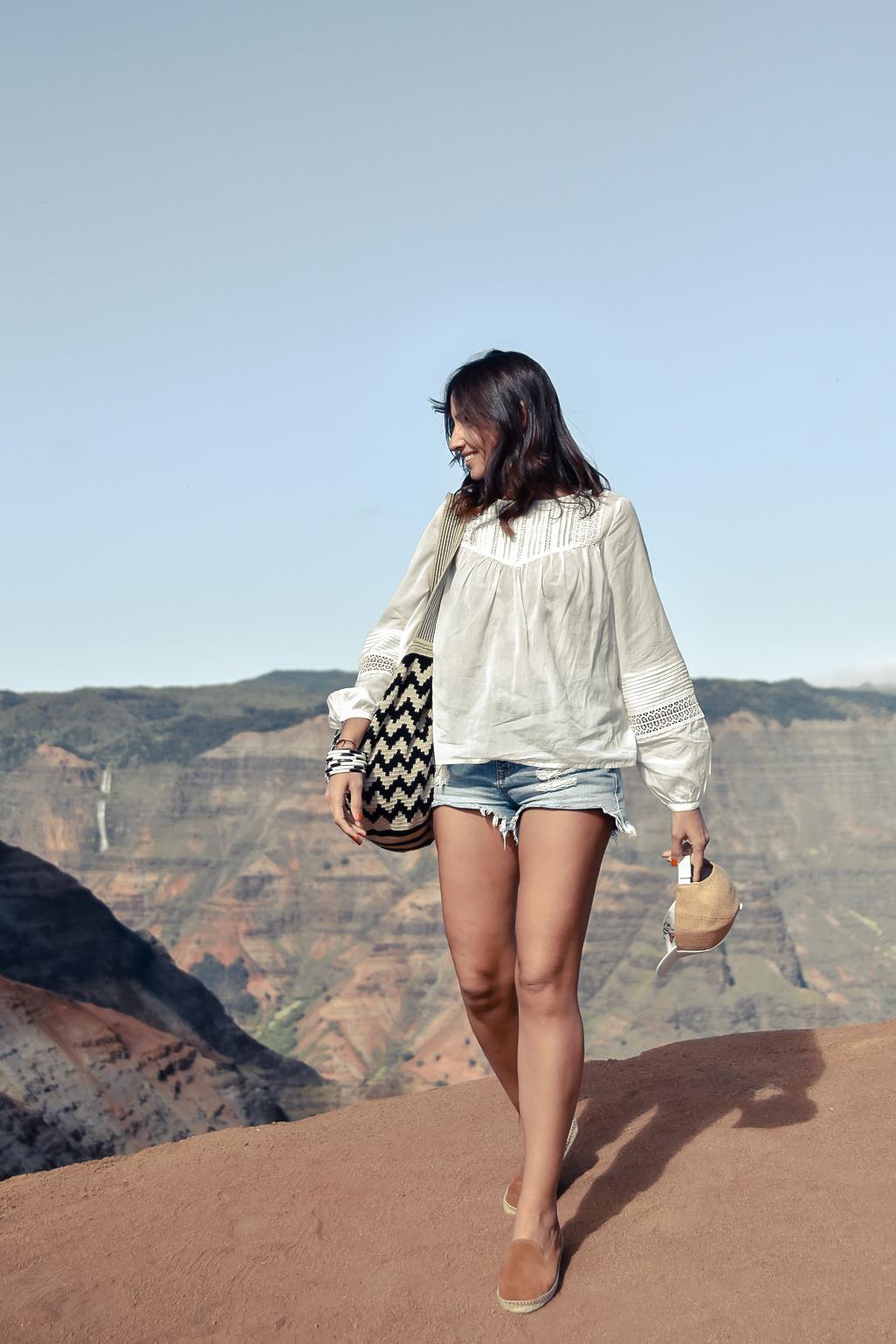 El_blog_de_silvia_Blusa_blanca_shorts_vaqueros