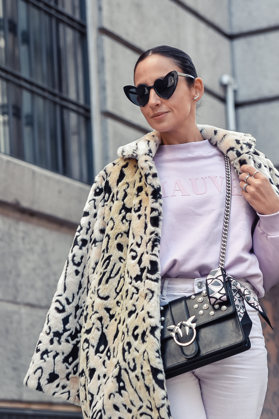 el_blog_de_silvia_look-of-the-day-total-look-lila-animal-print-ugly-sneakers_fashion_blogger (4)