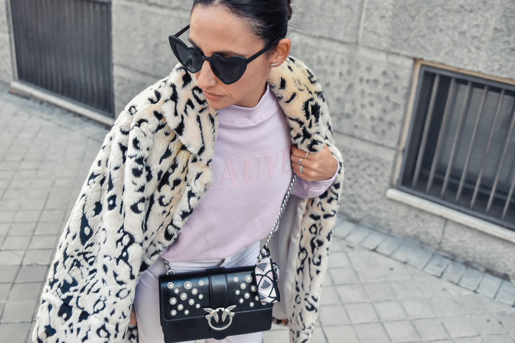 el_blog_de_silvia_look-of-the-day-total-look-lila-animal-print-ugly-sneakers_fashion_blogger (7)
