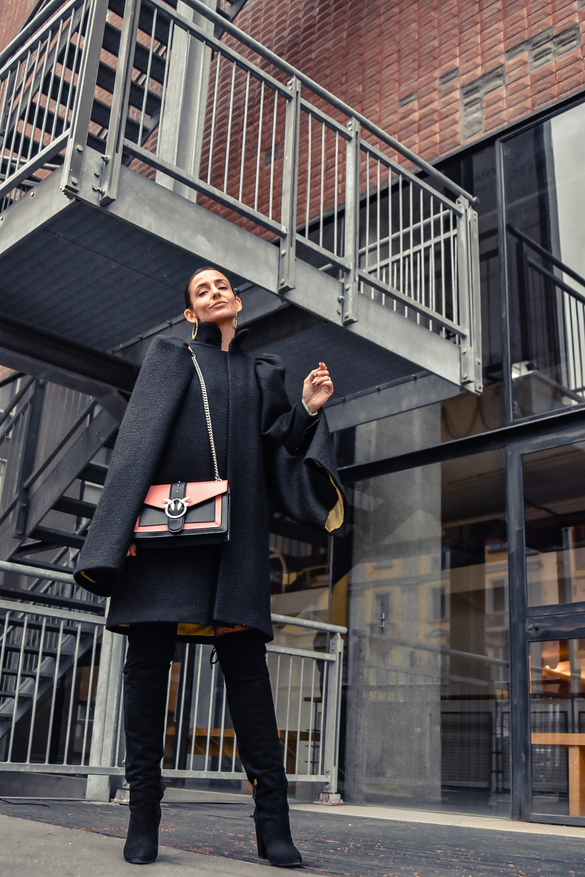 el-blog-de-silvia-fashion-blogger-street-style-mfw-abrigo-negro-07