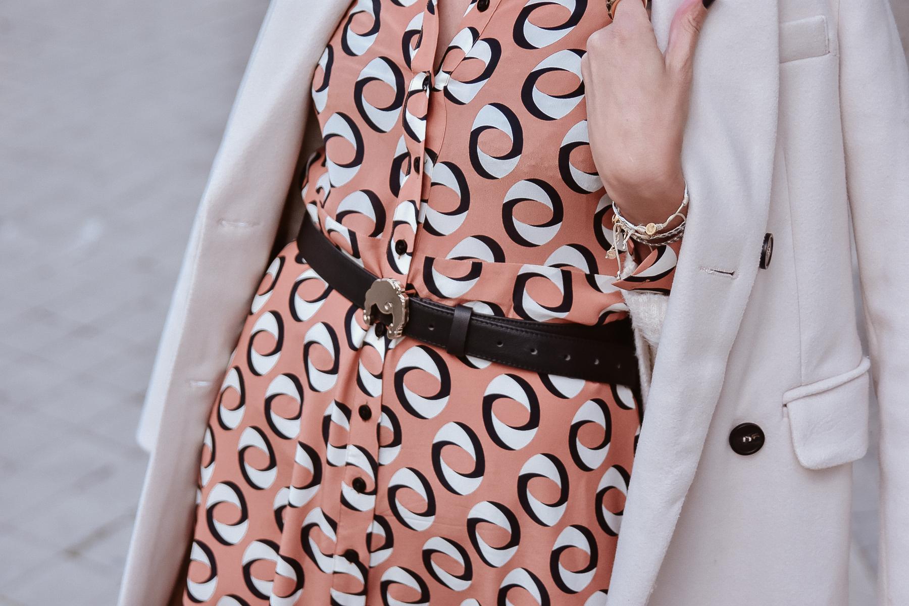el-blog-de-silvia-look-femenino-vestido-midi-estampado-geometrico-05