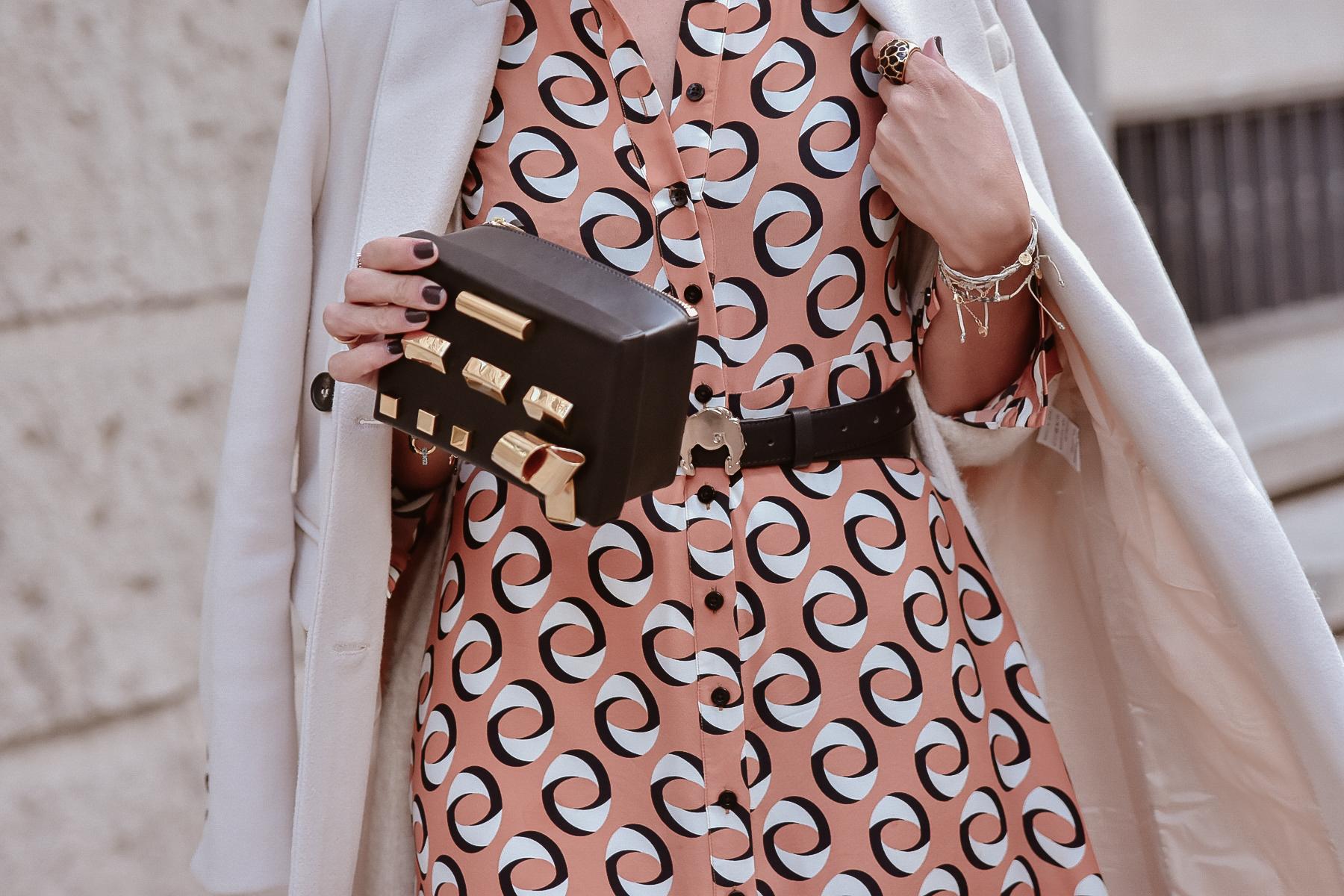 el-blog-de-silvia-look-femenino-vestido-midi-estampado-geometrico-09