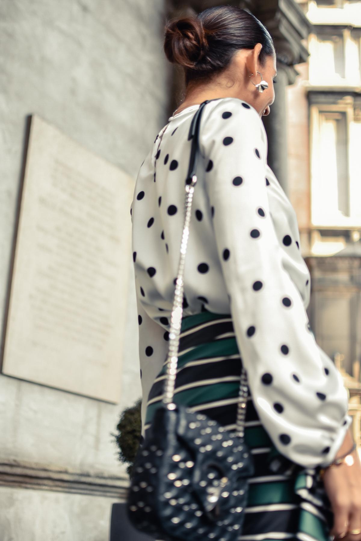 el-blog-de-silvia-mfw-milan-fashion-week-street-style-falda-rayas-manolo-blahnik-11
