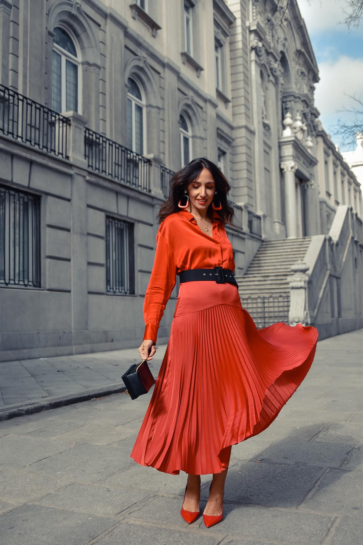 el-blog-de-silvia-total-look-rojo-falda-plisada-01