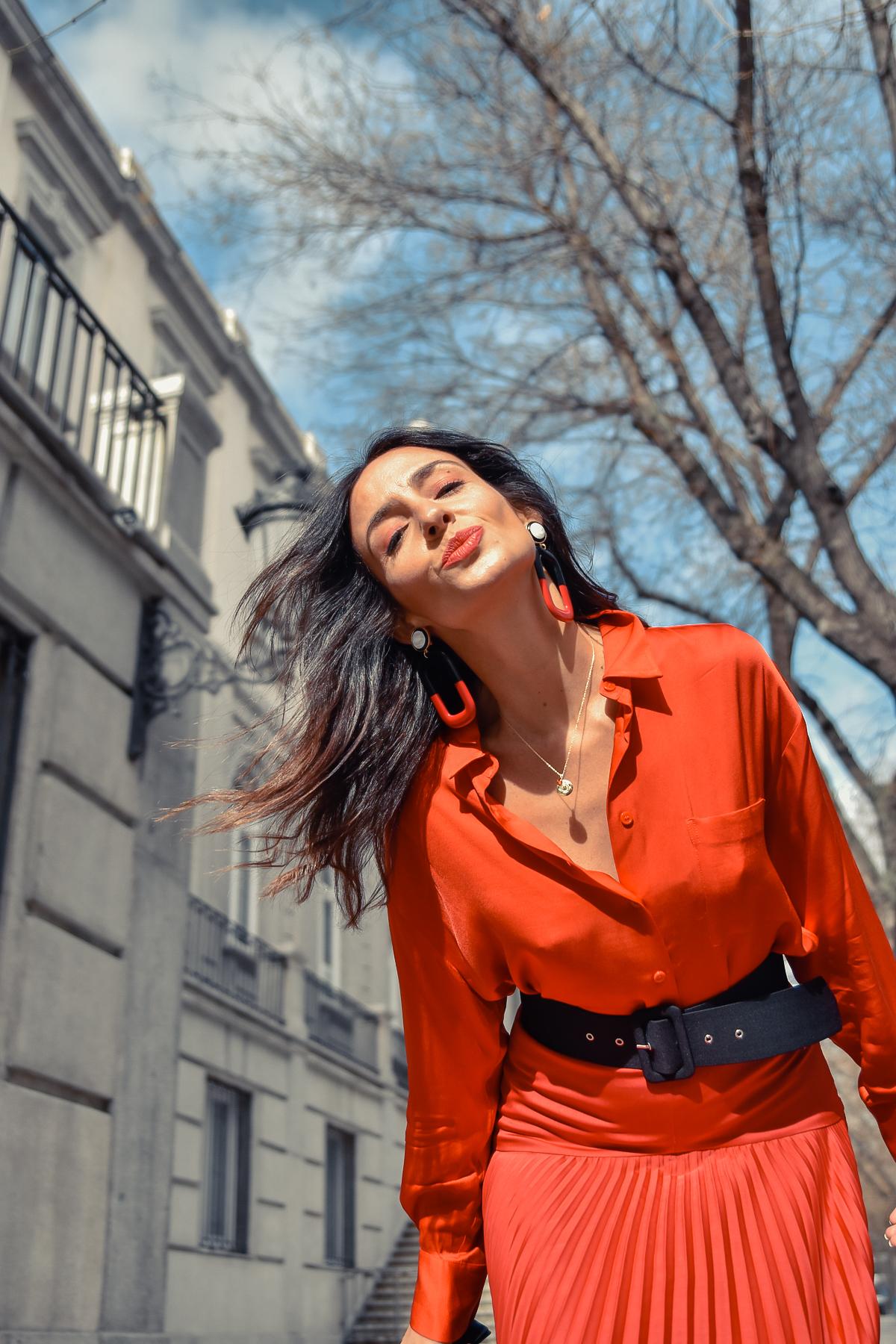 el-blog-de-silvia-total-look-rojo-falda-plisada-06