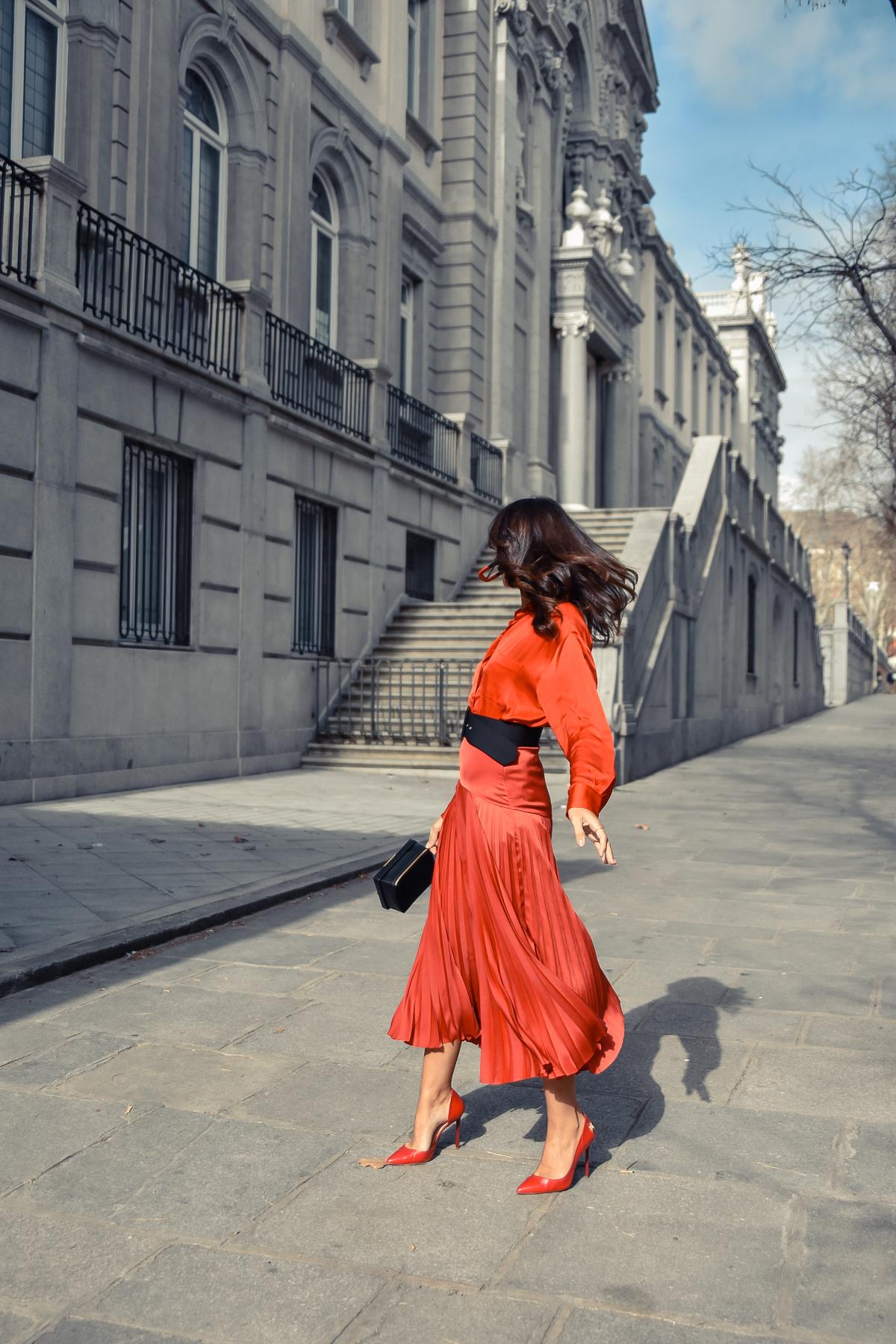 el-blog-de-silvia-total-look-rojo-falda-plisada-07