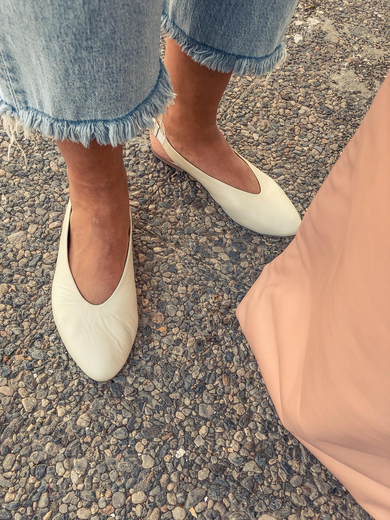 el-blog-de-silvia-look-verano-jeans-levis-camiseta-flores-05