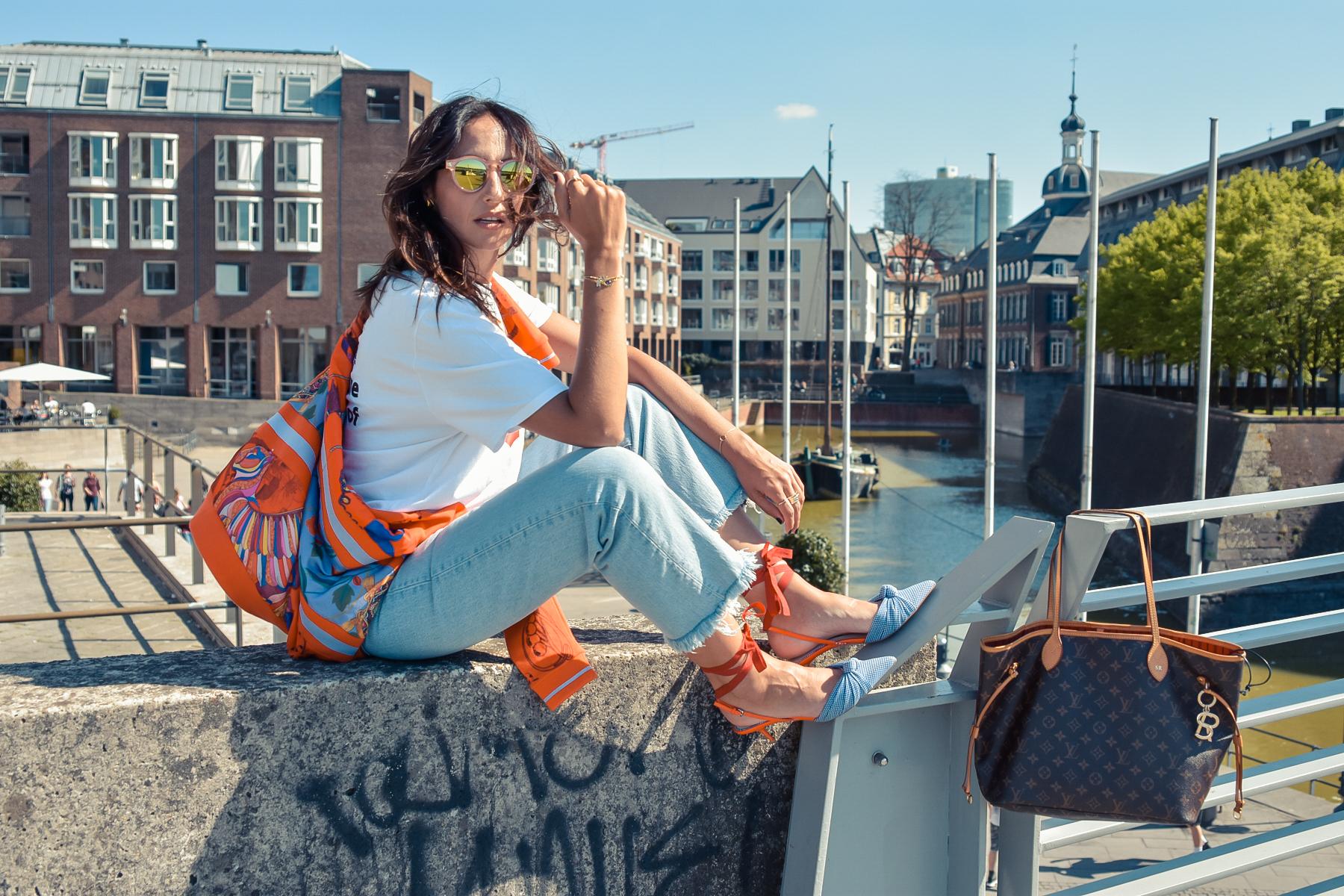 el-blog-de-silvia-viajar-dusseldorf-jersey-geometrico-jeans-levis-02