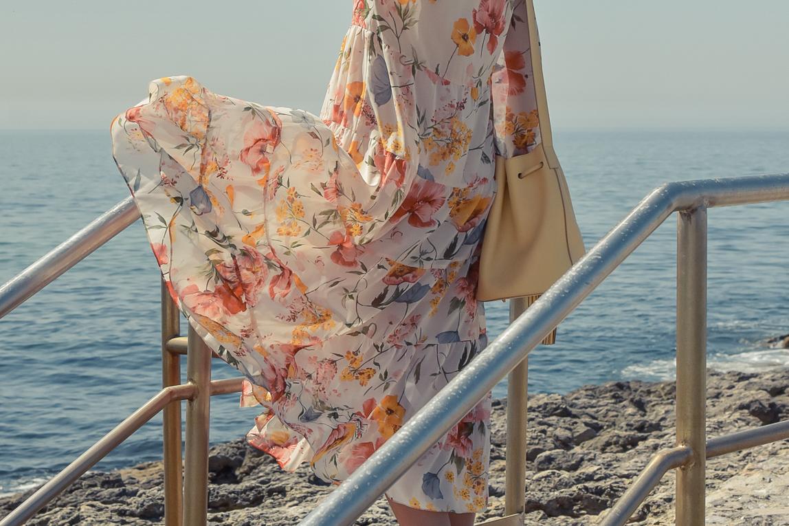 5-el-blog-de-silvia-viaje-Cascais-Estoril-vestido-flores