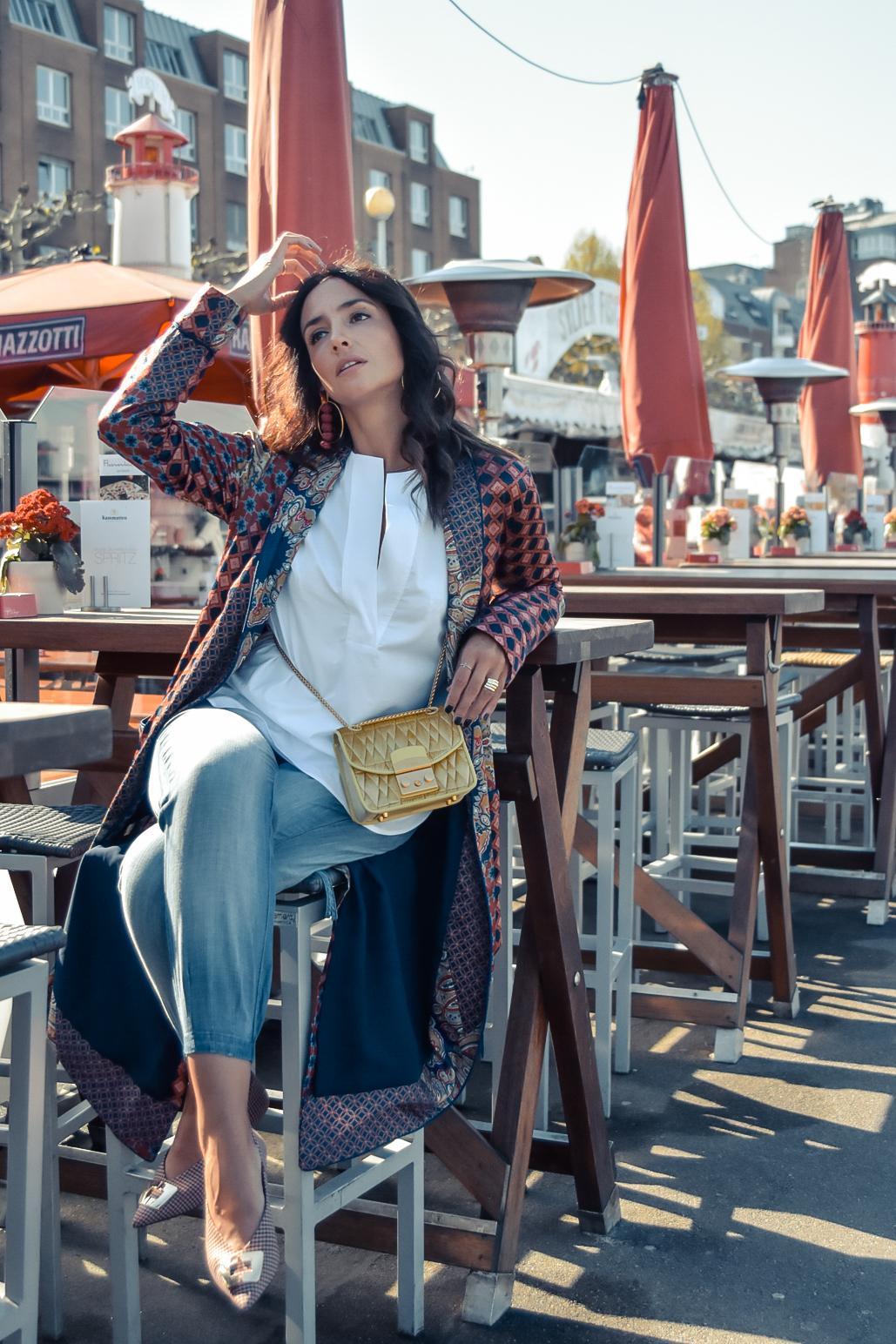 el-blog-de-silvia-viajar-dusseldorf-kimono-largo-estampado-jeans-levis-03