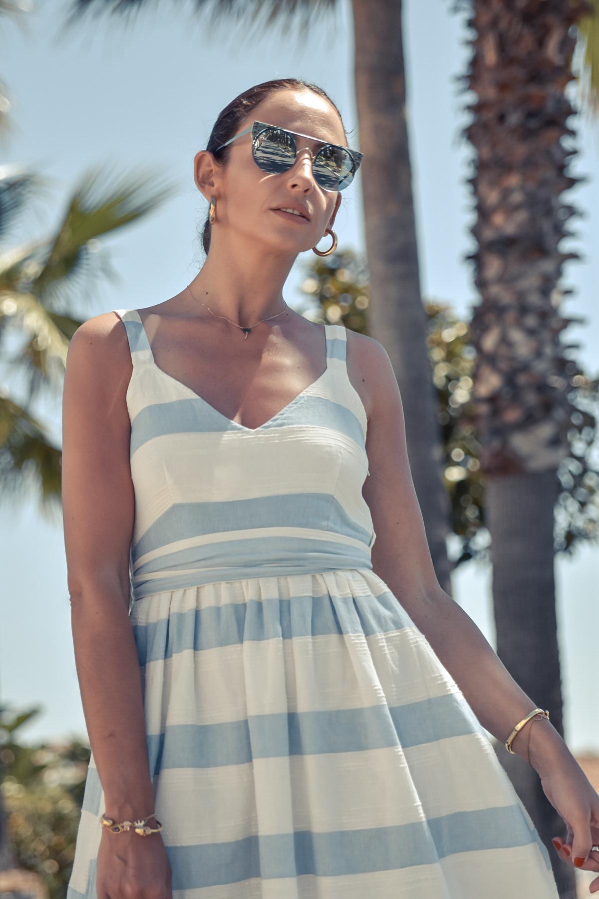 2-el-blog-de-silvia-vestido-rayas-azul-blanco-marbella