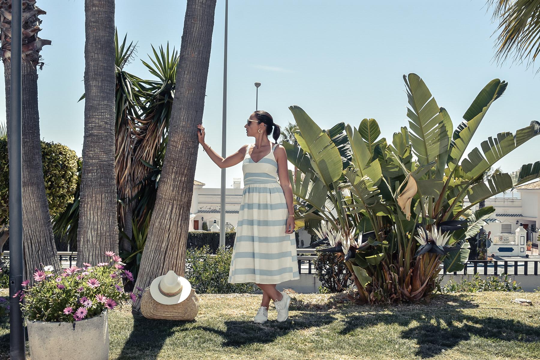 7-el-blog-de-silvia-vestido-rayas-azul-blanco-marbella