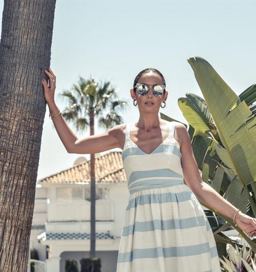 el-blog-de-silvia-vestido-rayas-azul-blanco-marbella