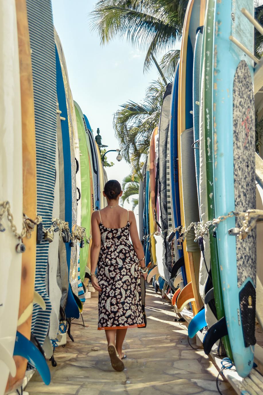 3-el-blog-de-silvia-curiosidades-hawaii-vestido-flores