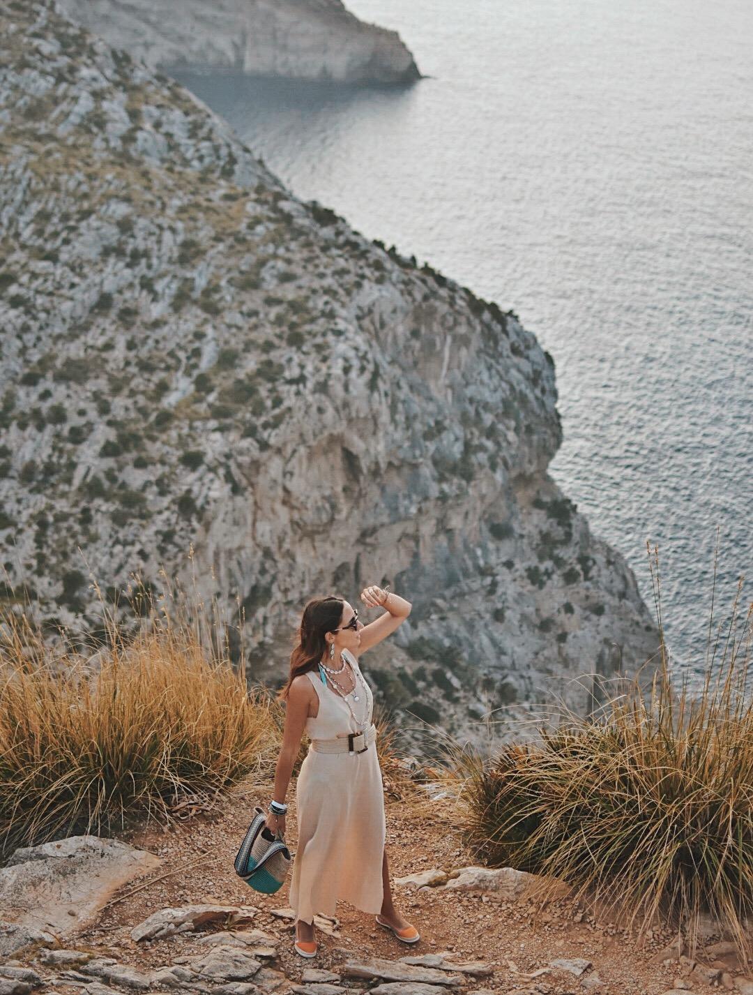 10-el-blog-de-silvia-vestido-beige-mallorca