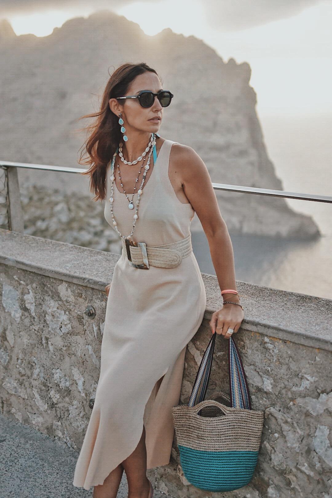 11-el-blog-de-silvia-vestido-beige-mallorca
