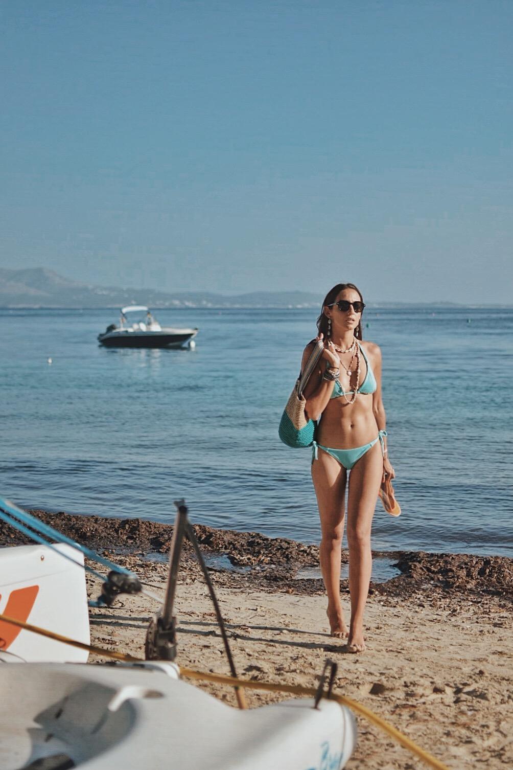 14-el-blog-de-silvia-bikini-azul-mallorca