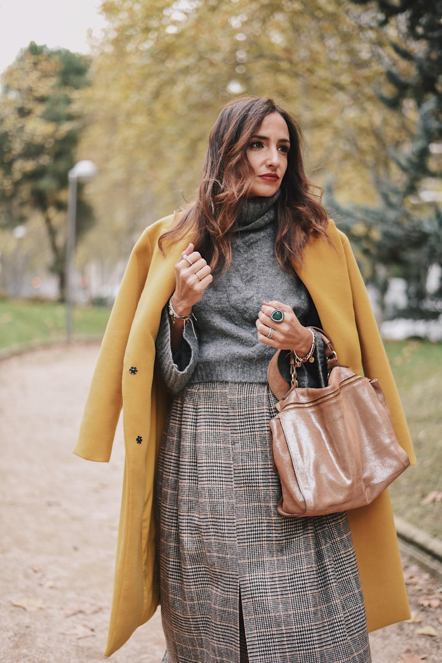 el-blog-de-silvia-rodriguez-abrigo-mostaza